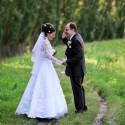 Ešte aj v svadobný deň (budúci) manžel telefonuje.
