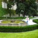 Martinka v okolí Pražského hradu pri fontánke.