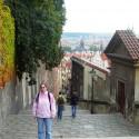 Na ceste z hradu smerom na Karlov most.